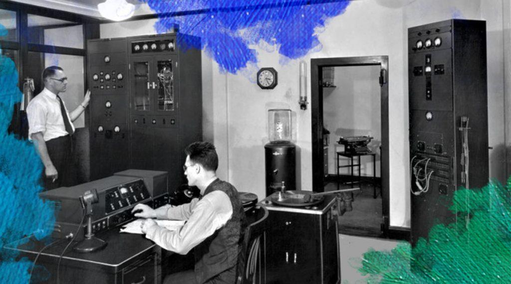 Foto: Detroit News Archives (1038) Ultra Shortwave station W8XWJ Detroit. Gedownload en bewerkt door MijnDeugden.nl voor de blog Testing One Two op 19-09-2017. https://www.theradiohistorian.org/Apex/Apex1.32.jpg