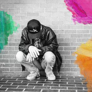 Foto: Louwes, Joris (2012) Man struggling at Downtown, Victoria, British Columbia, Canada. Bewerkt door MooieMensapp 07-07-2017.