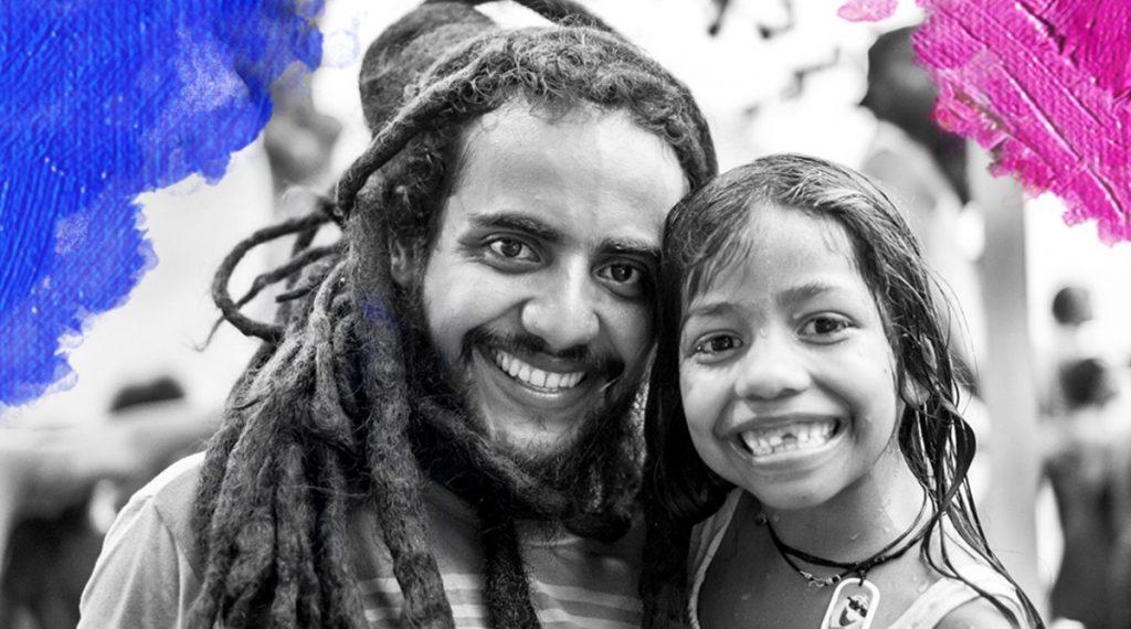 Foto: Astrid Pereira (2016) Portrait of two people. Bewerkt door MooierMens/zpp, 17-09-2017. https://pixabay.com/en/portrait-black-and-white-people-2266517/
